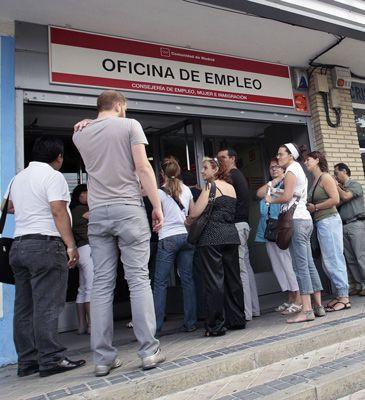 Cola del paro en una oficina del inem en madrid qu es for Oficina del paro murcia