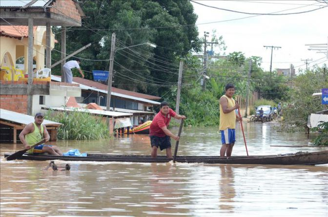Veintitrés muertos y 10.000 familias damnificadas por las lluvias en Bolivia