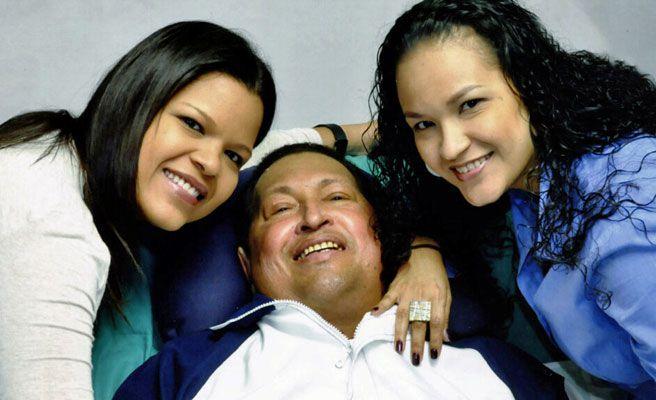primeras fotos de Hugo Chavez junto a sus hijas