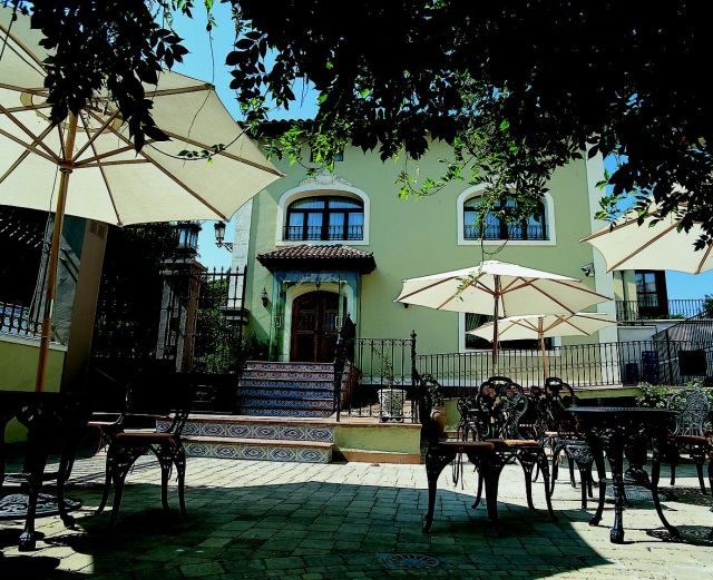 Hoteles divinos de la rioja palacio de azc rate en for Hoteles en la rioja