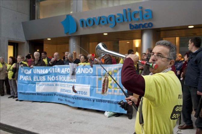 Condenan a Novagalicia Banco a devolver 16.000 euros a una afectada por preferentes - Qué.es
