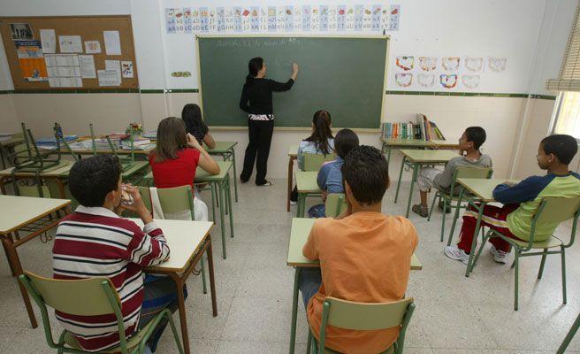 Despedida una profesora por escribirle la palabra 'perdedor' a un alumno en su frente