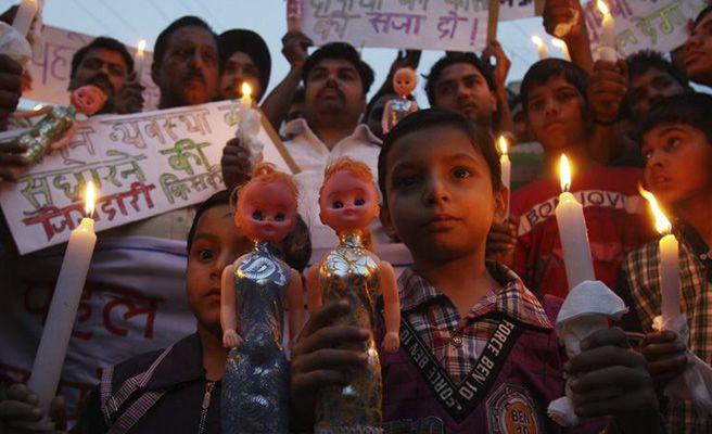 Una Madre Mata A Su Hijo Gemelo Para Salvar Al Otro Aconsejada Por Un