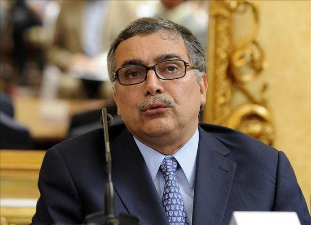 ... René Castro (foto), informó que el presidente de la estatal Refinadora Costarricense de Petróleo (RECOPE), Jorge Villalobos, presentó hoy su renuncia, ... - 5409539w-640x640x80