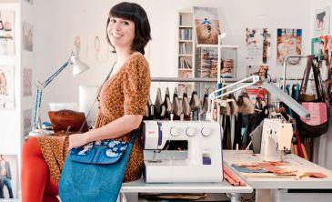 Image result for costurera con sus herramientas