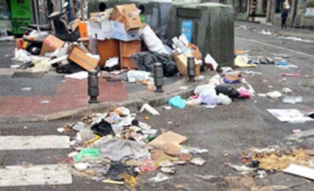 la basura en las calles: