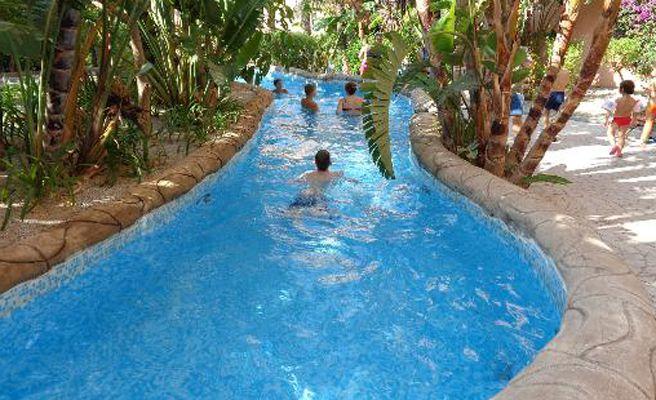 Los mejores hoteles de espa a para ir con ni os en el for Hoteles en granada con piscina climatizada
