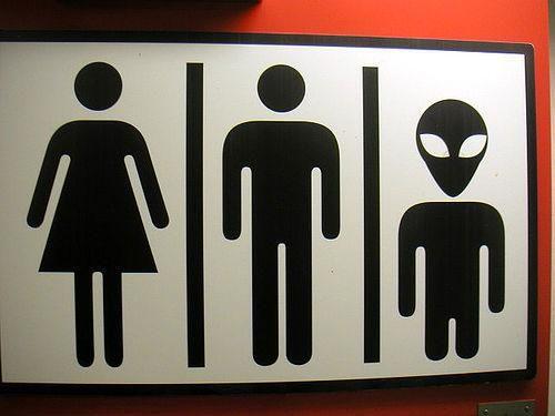 Los 16 carteles de wc más curiosos de los bares -- Qué.es --