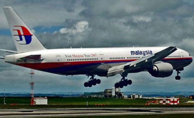 Accidente de avión en Malasia: El copiloto realizó una llamada por su móvil justo antes de la desaparición del aparato