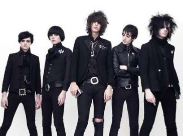 Low Festival: The Horrors, Sebastian, Cheatahs, Carlos Sadness y muchos más se unen al cartel