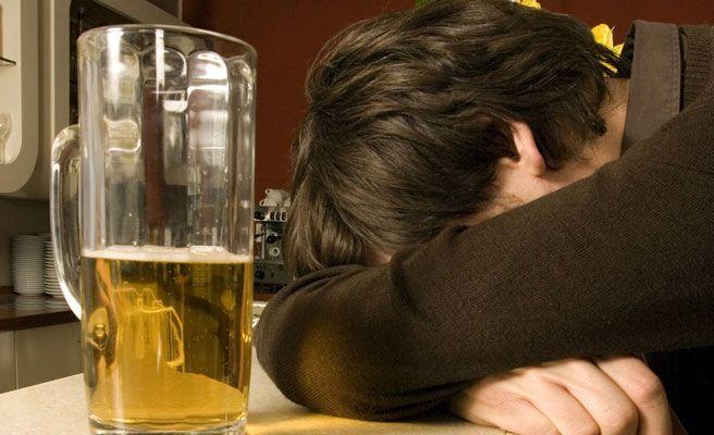 El marido agresivo después del alcohol
