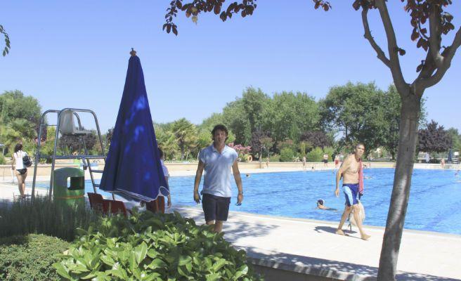 Las piscinas municipales de m stoles abren el 7 de junio for Piscina municipal getafe