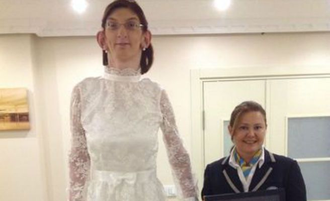 Así es Rumeysa Gelgi, la adolescente más alta de mundo