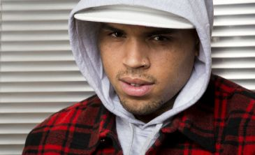 Chris Brown incendia Twitter con un 'tuit' sobre el �bola