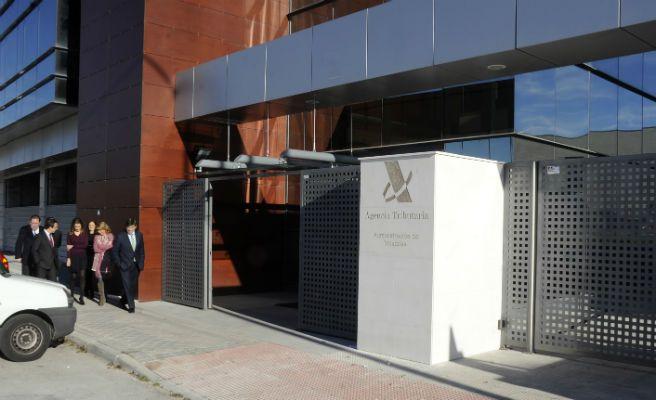 La agencia tributaria vuelve a instalarse en m stoles for Oficinas de agencia tributaria madrid