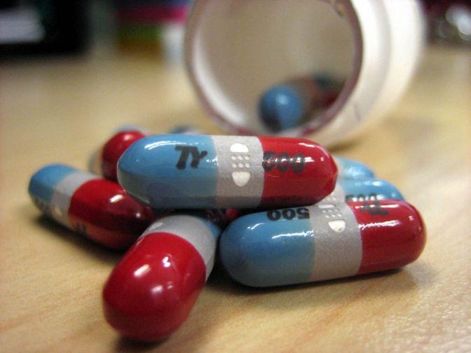 """OMS denuncia que los altos precios de los nuevos medicamentos son un """"reto"""" en Europa"""