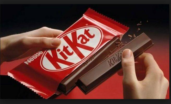 Denuncia por estafa a Nestlé y pide que le den Kit Kats de por vida