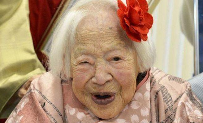 foto mujer vieja: