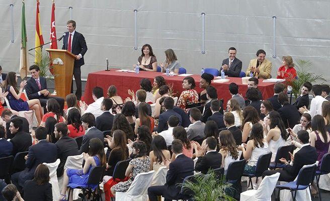 Comienzan las graduaciones de los alumnos de 2 de - Ies antonio trueba ...