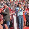 Felipe González desvela en un mitin en Cáceres que le han implantado un marcapasos