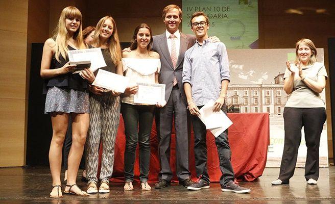 Terol entrega los premios a los alumnos de secundaria con - Ies antonio trueba ...