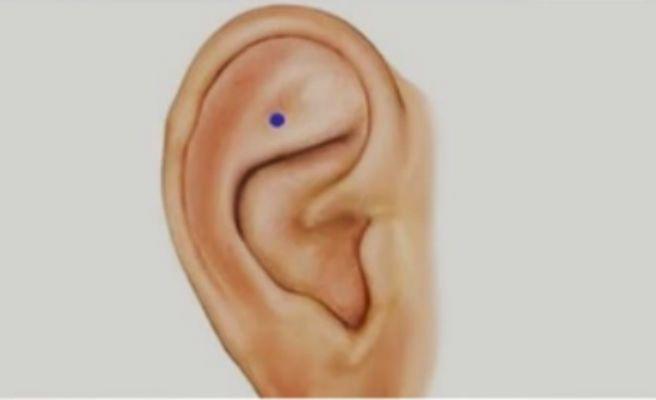 Alucinante lo que pasa si presionas este punto de tu oreja