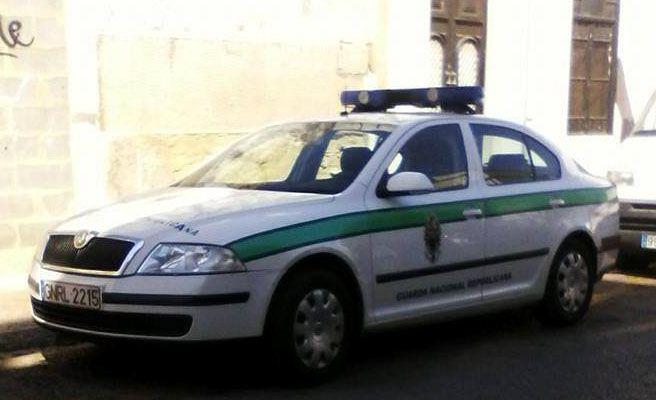 Procesada por subir a Facebook un coche de policía mal aparcado