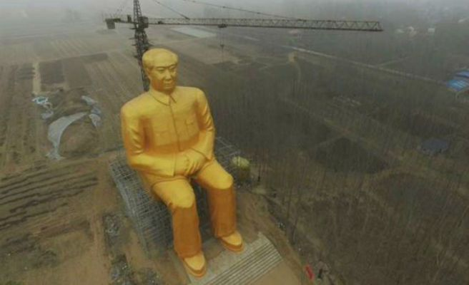"Derriban la estatua de 37 metros de Mao Tse Tung en China porque era ""ilegal"""