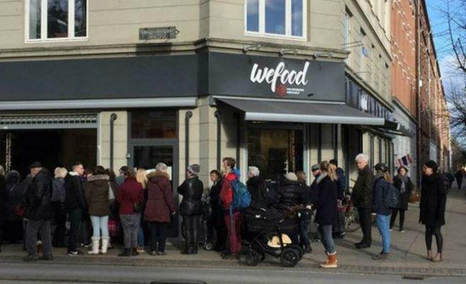 El supermercado danés que triunfa vendiendo comida caducada