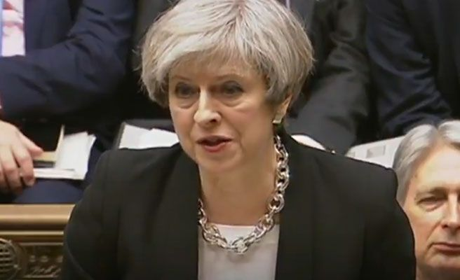 Theresa May, primera ministra británica. Foto: Twitter.
