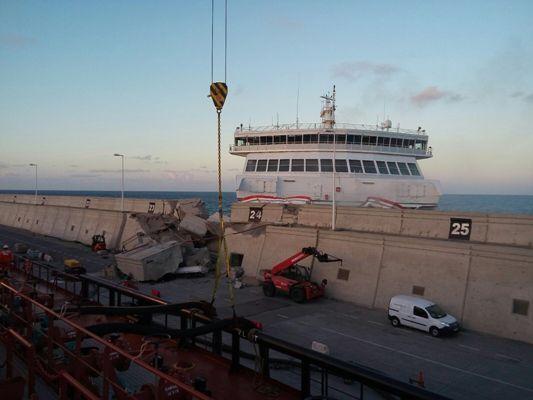 ¡¡¡ sorprendente silencio ¡¡¡ Pladesemapesga informa que el Ferry de Armas VOLCAN DE TAMASITE se construyó en Barreras astilleros de Vigo.