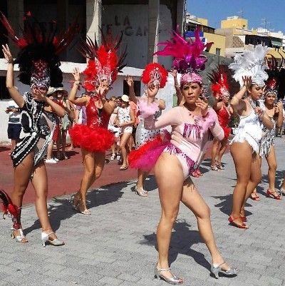 El festival 'Carnaval, Sol y Cañas de Verano' se celebró por todo lo alto
