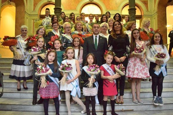 El alcalde recibe a las 31 aspirantes a Reina del Carnaval en sus tres modalidades