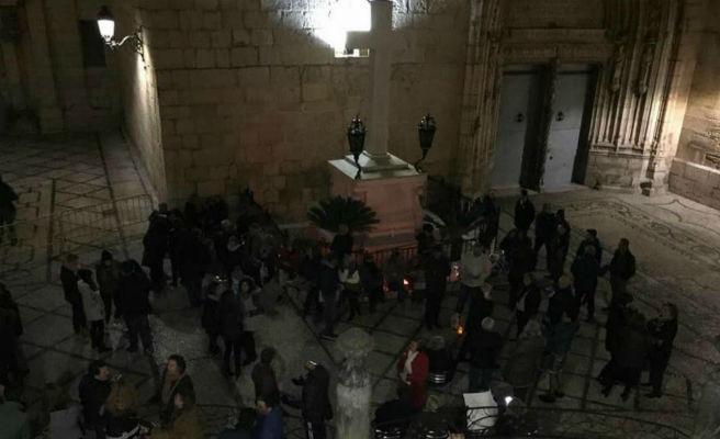 Dos detenidos por protestar la retirada de una cruz franquista en un pueblo de Alicante