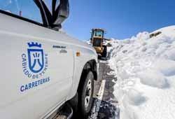 El Cabildo cierra el acceso al Teide por La Esperanza y La Orotava ante la presencia de hielo en la calzada