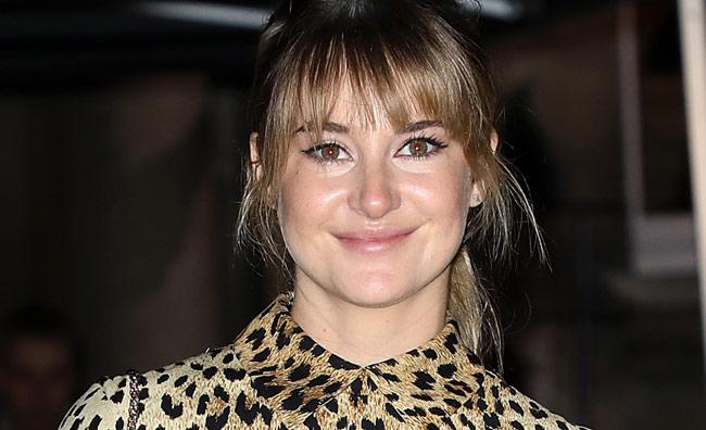 Shaileene Woodley se une al peinado que Emma Watson puso de moda este invierno