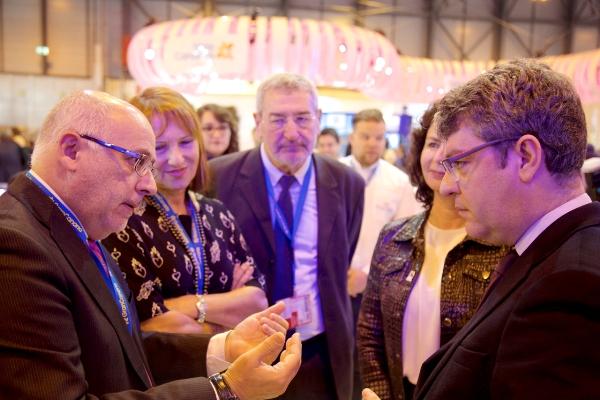 El presidente del Cabildo y el ministro de Turismo y Energía coinciden en la defensa de Gran Canaria como destino verde