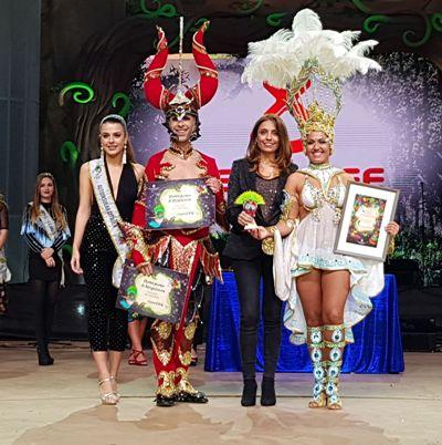 Joroperos gana el certamen de Comparsas con primeros en Interpretación y Presentación