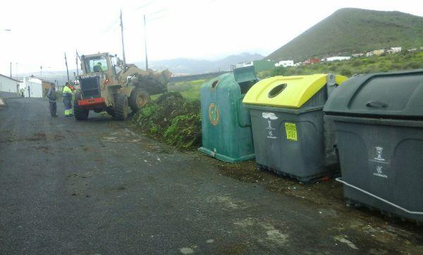 El Ayuntamiento reorganiza las zonas de contenerización de Montaña Las Palmas para evitar la acumulación de residuos
