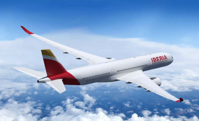 Las razones por las que los aviones son de color blanco