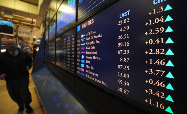 El Ibex baja un 5,8% mensual