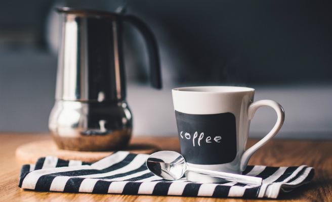 Una dona amb demència senil mata al seu marit al servir detergent en comptes de cafè