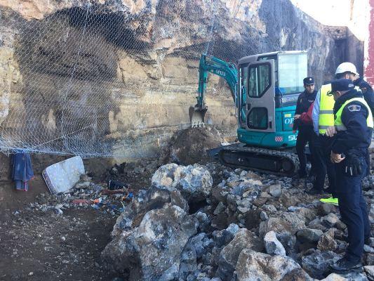 El final de las tareas de desescombro confirma de forma definitiva que no hubo víctimas por el derrumbe en El Confital