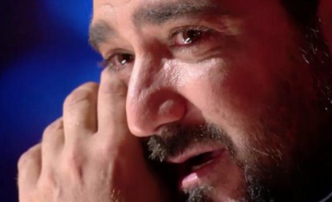 """Antonio Orozco trenca a plorar a la televisió: """"Ens creiem molt forts, però no som res"""""""