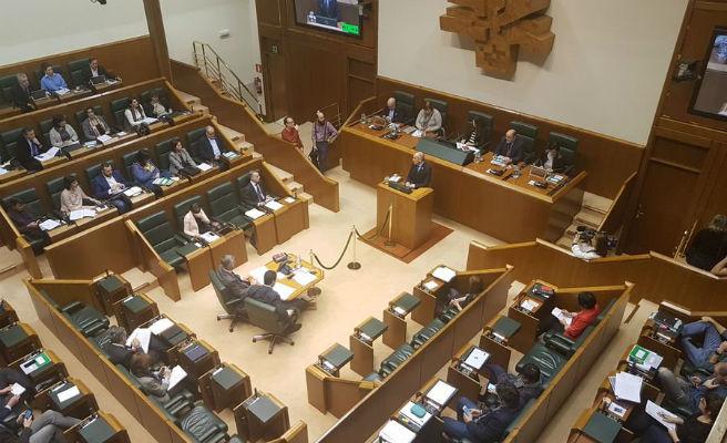 Euskadi augmenta de quatre a 18 setmanes el permís de paternitat