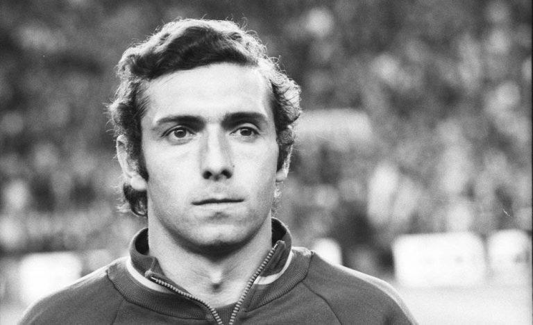 Mor Quini, ex de Barça i Sporting, després de patir un infart al mig del carrer