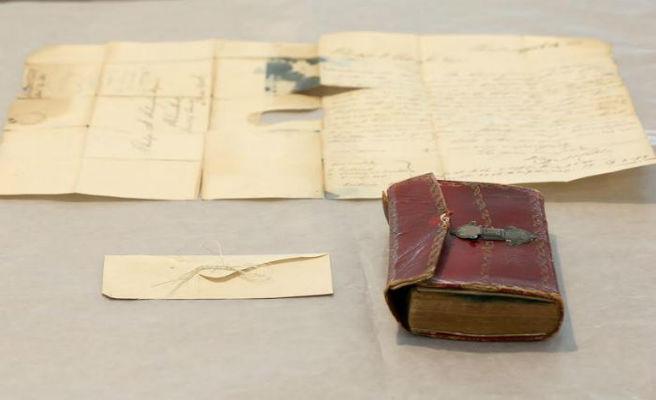Troben un floc de pèl de George Washington en un llibre d'una biblioteca de Nova York