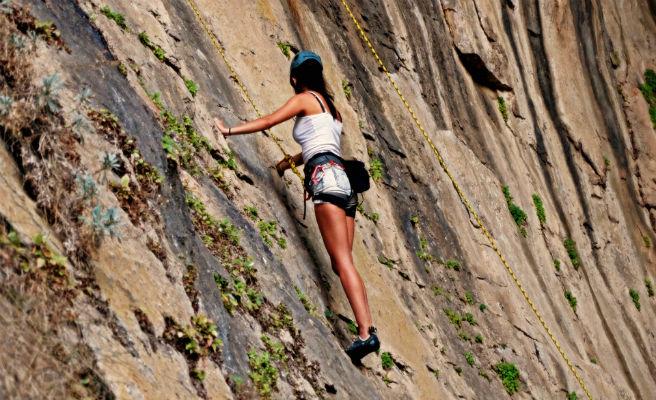 Los alpinistas tendrán que recoger sus propias heces en vez de dejarlas en la montaña