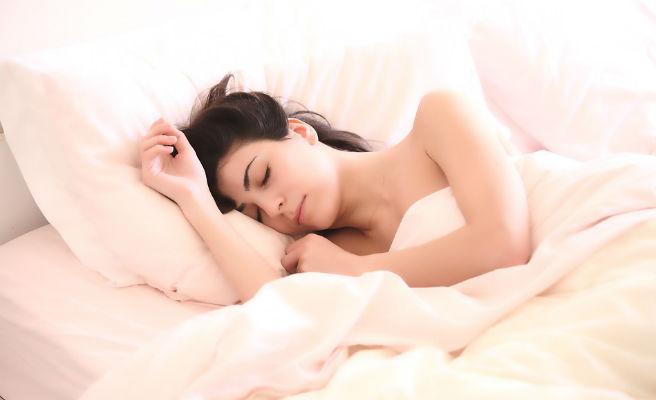 Aquí van 10 consejos para dormir a pierna suelta
