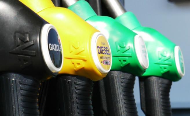 Los carburantes vuelven a subir y el diésel rompe con cinco semanas de descensos